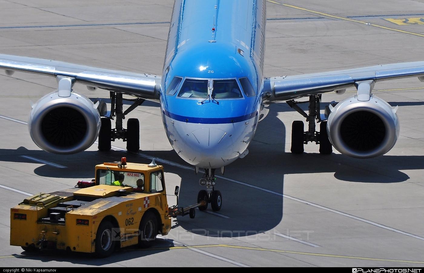 Embraer E190LR (ERJ-190-100LR) - PH-EZG operated by KLM Cityhopper #e190 #e190100 #e190100lr #e190lr #embraer #embraer190 #embraer190100lr #embraer190lr #klm #klmcityhopper