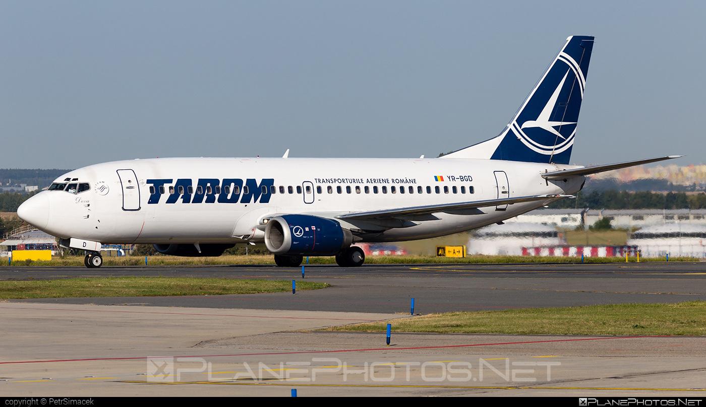Boeing 737-300 - YR-BGD operated by Tarom #b737 #boeing #boeing737