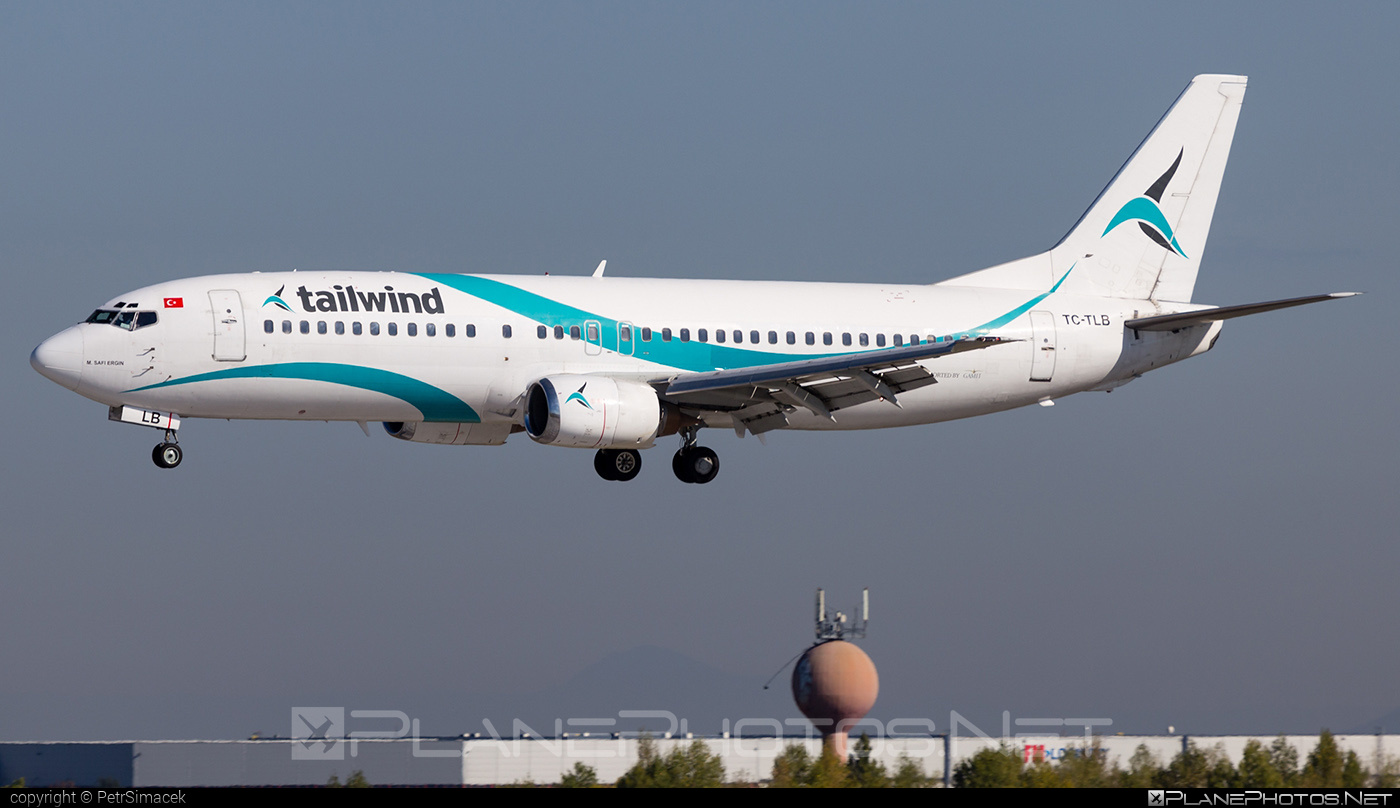 Tailwind Airlines Boeing 737-400 - TC-TLB #b737 #boeing #boeing737