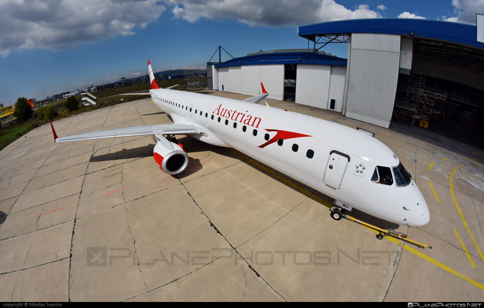 Embraer E195LR (ERJ-190-200LR) - OE-LWJ operated by Austrian Airlines #e190 #e190200 #e190200lr #e195lr #embraer #embraer190200lr #embraer195 #embraer195lr