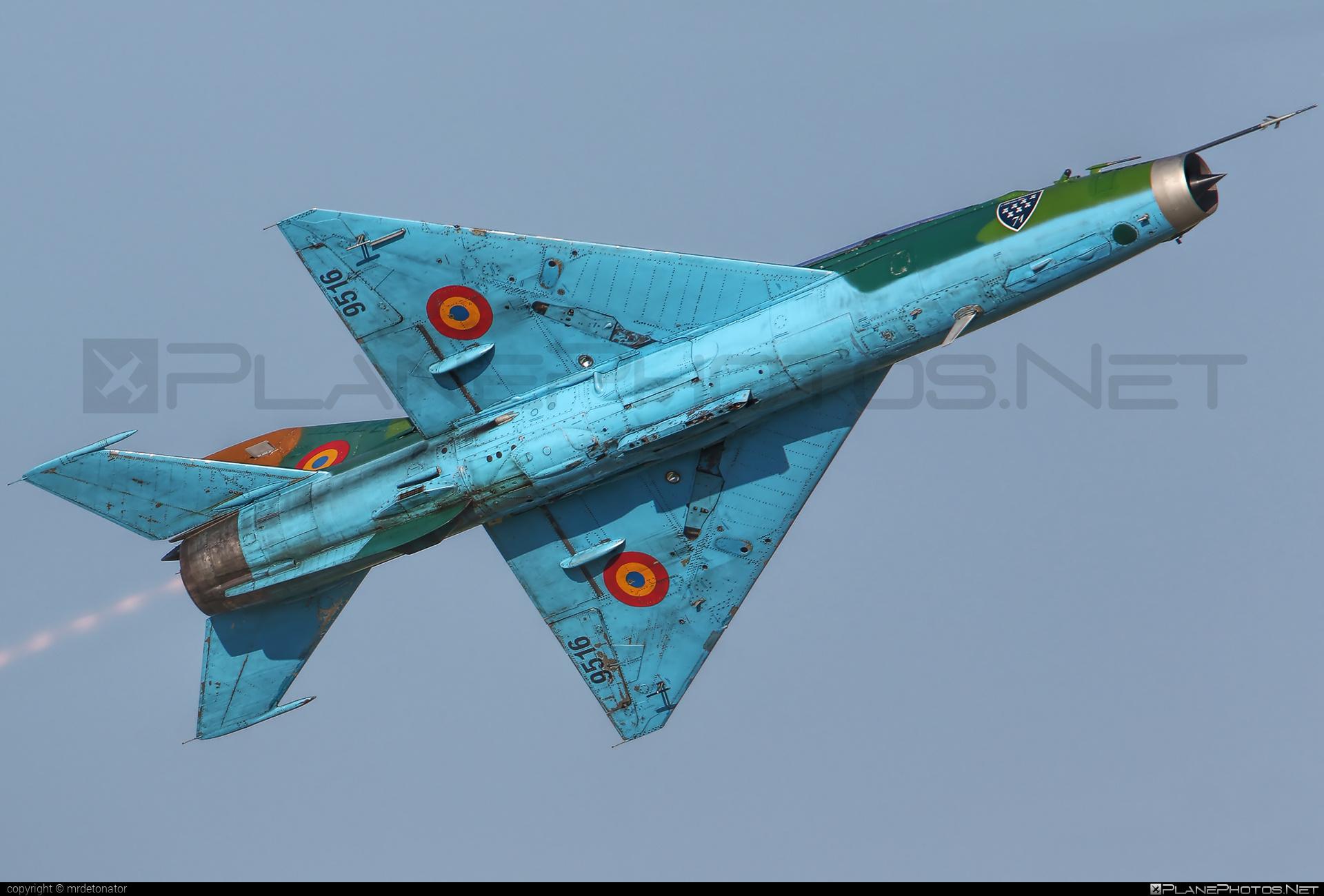 Mikoyan-Gurevich MiG-21UM - 9516 operated by Forţele Aeriene Române (Romanian Air Force) #forteleaerieneromane #mig #mig21 #mig21um #mikoyangurevich #romanianairforce