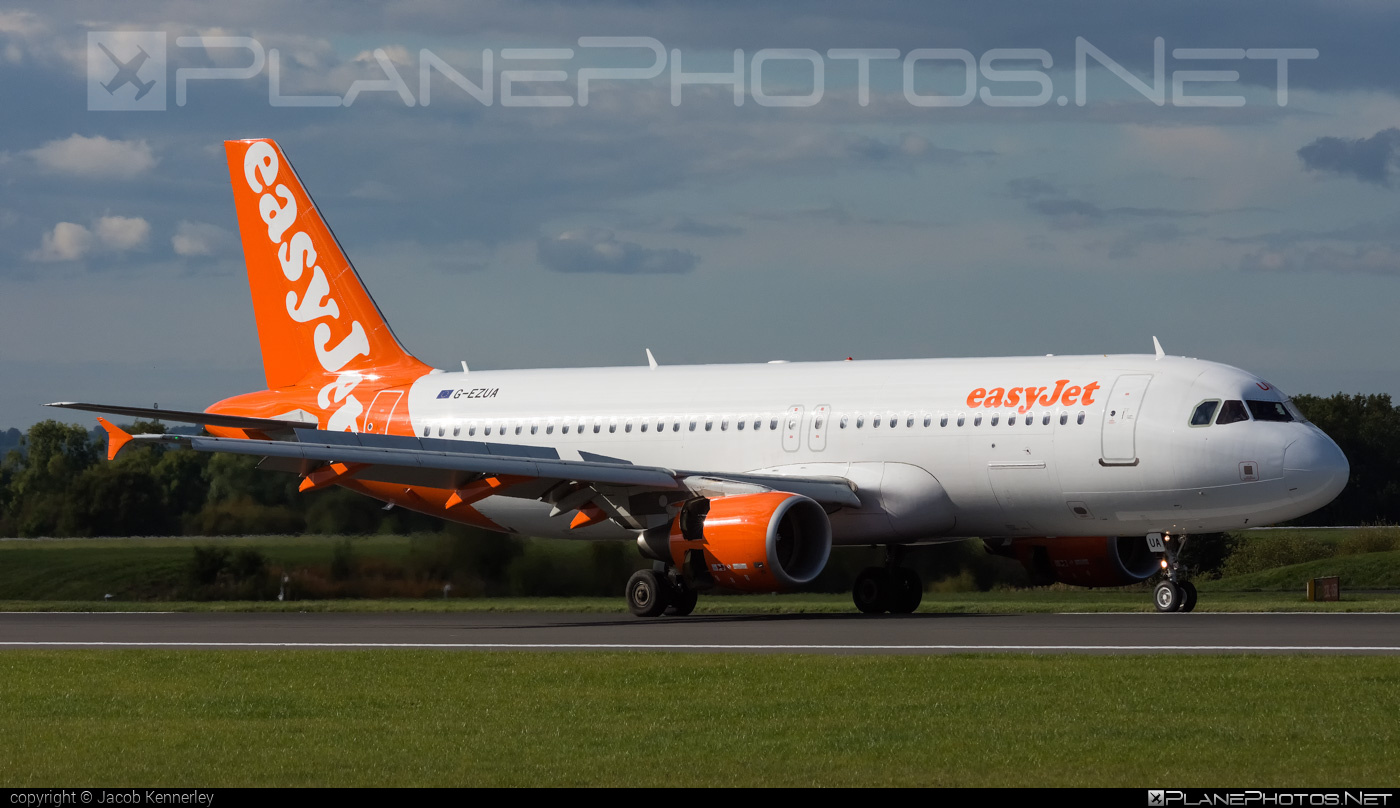 Airbus A320-214 - G-EZUA operated by easyJet #a320 #a320family #airbus #airbus320 #easyjet