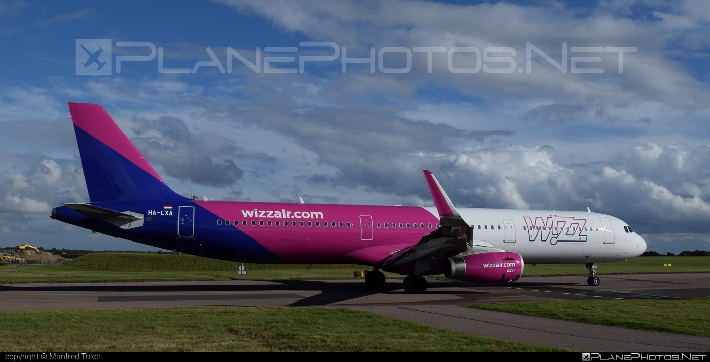 Airbus A321-231 - HA-LXA operated by Wizz Air #a320family #a321 #airbus #airbus321 #wizz #wizzair