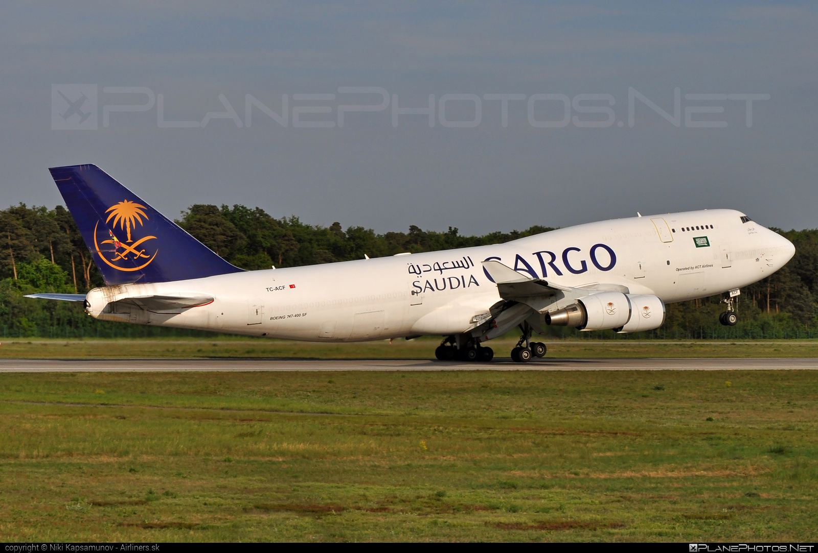 Boeing 747-400SF - TC-ACF operated by Saudi Arabian Airlines Cargo (myCARGO) #b747 #b747sf #boeing #boeing747 #jumbo