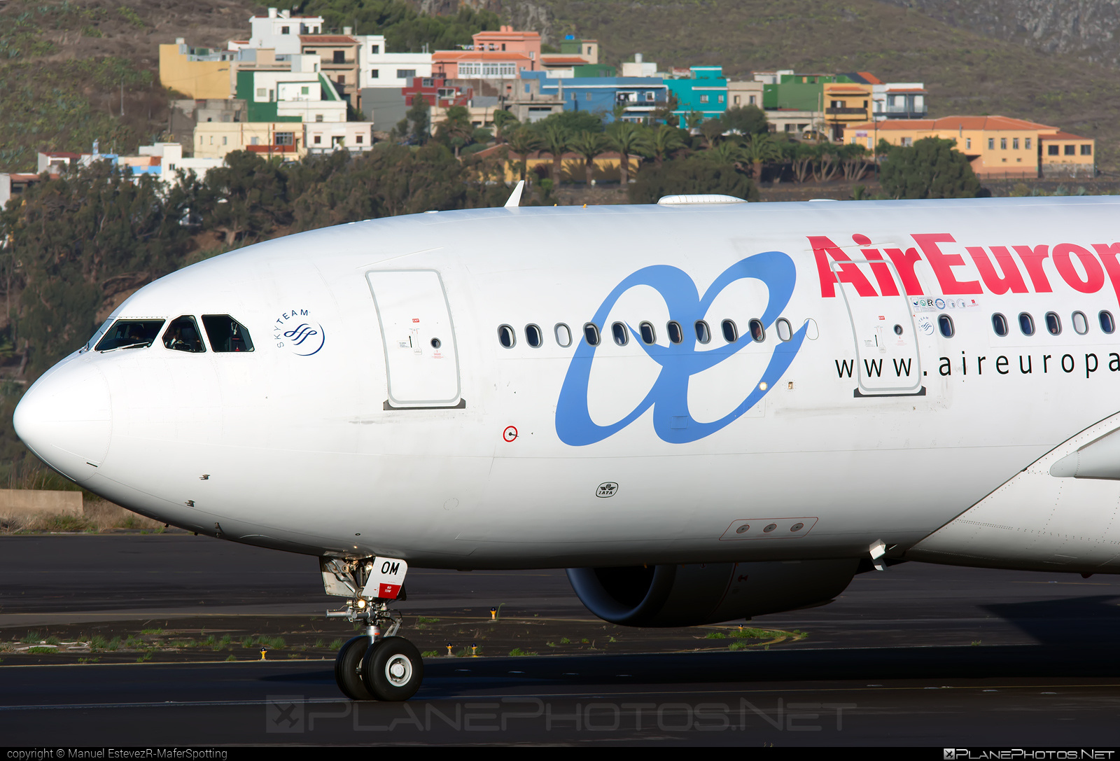 Airbus A330-202 - EC-KOM operated by Air Europa #a330 #a330family #airbus #airbus330