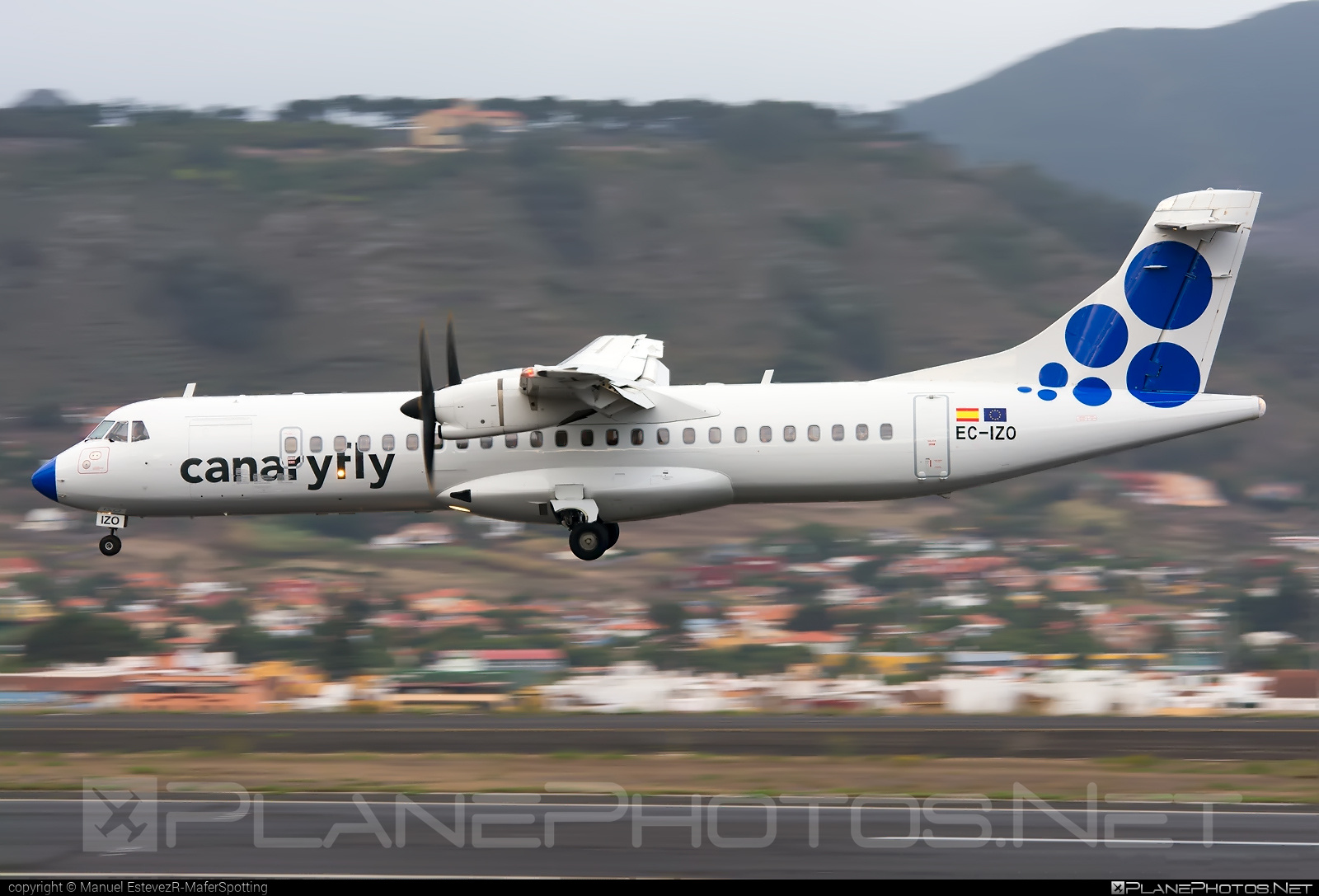 ATR 72-212A - EC-IZO operated by Canaryfly #atr