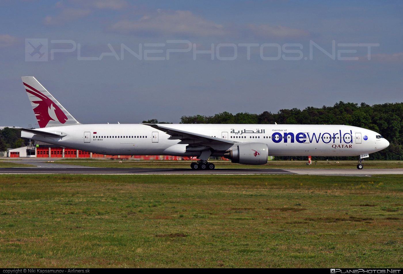 Boeing 777-300ER - A7-BAA operated by Qatar Airways #b777 #b777er #boeing #boeing777 #oneworld #qatarairways #tripleseven