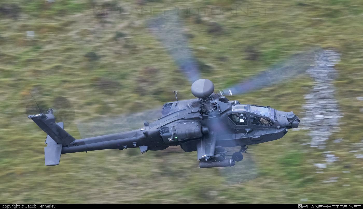 AgustaWestland Apache AH.1 - ZJ192 operated by United Kingdom - Army Air Corps #agustawestland #machloop