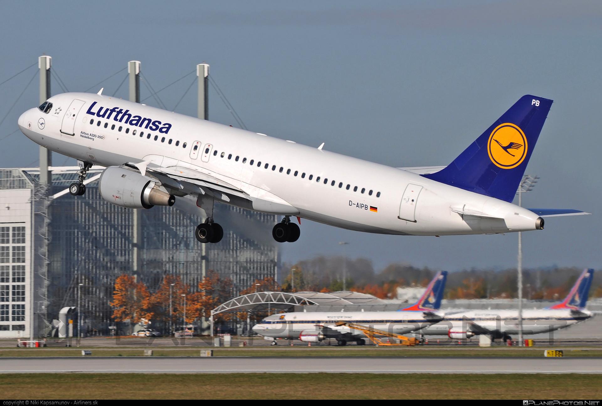 Airbus A320-211 - D-AIPB operated by Lufthansa #a320 #a320family #airbus #airbus320 #lufthansa