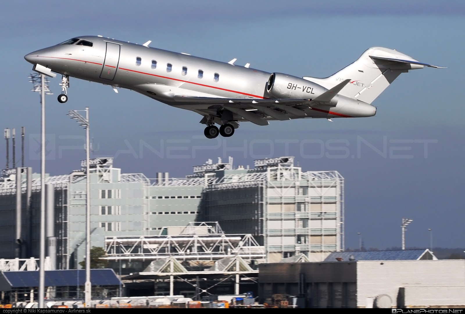 Bombardier Challenger 350 (BD-100-1A10) - 9H-VCL operated by VistaJet #bd1001a10 #bombardier #challenger350 #vistajet