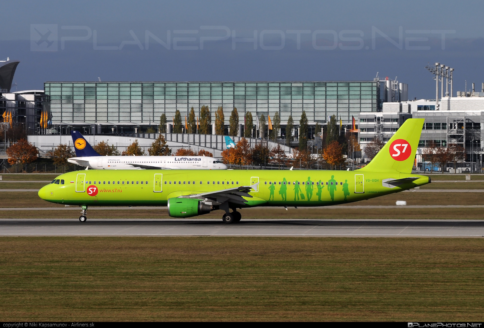 Airbus A321-211 - VQ-BQH operated by S7 Airlines #a320family #a321 #airbus #airbus321