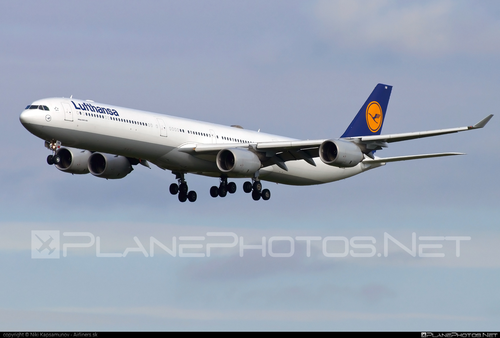 Airbus A340-642X - D-AIHW operated by Lufthansa #a340 #a340family #airbus #airbus340 #lufthansa