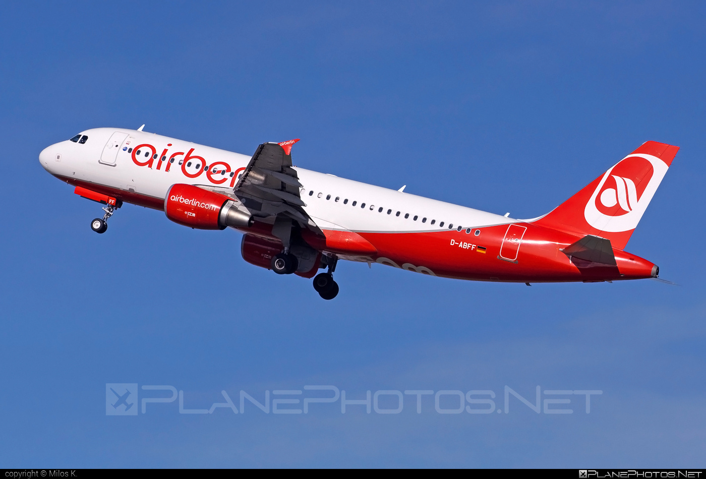Airbus A320-214 - D-ABFF operated by Air Berlin #a320 #a320family #airberlin #airbus #airbus320