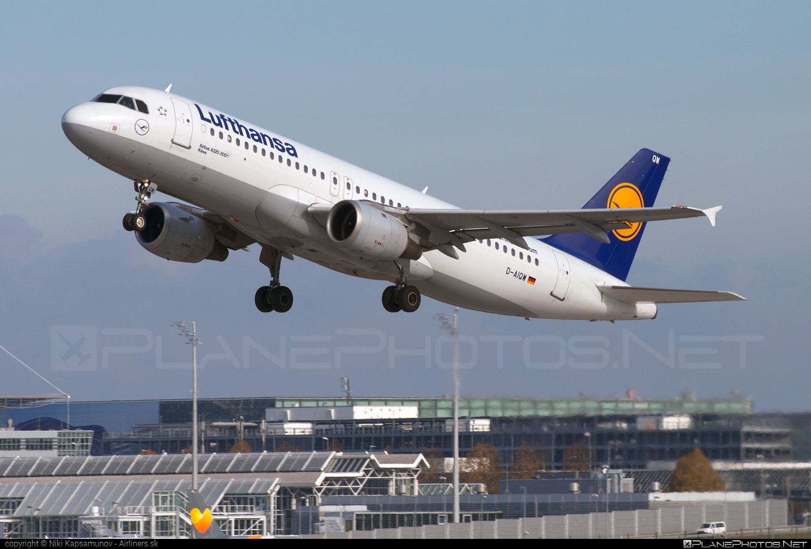 Airbus A320-211 - D-AIQW operated by Lufthansa #a320 #a320family #airbus #airbus320 #lufthansa
