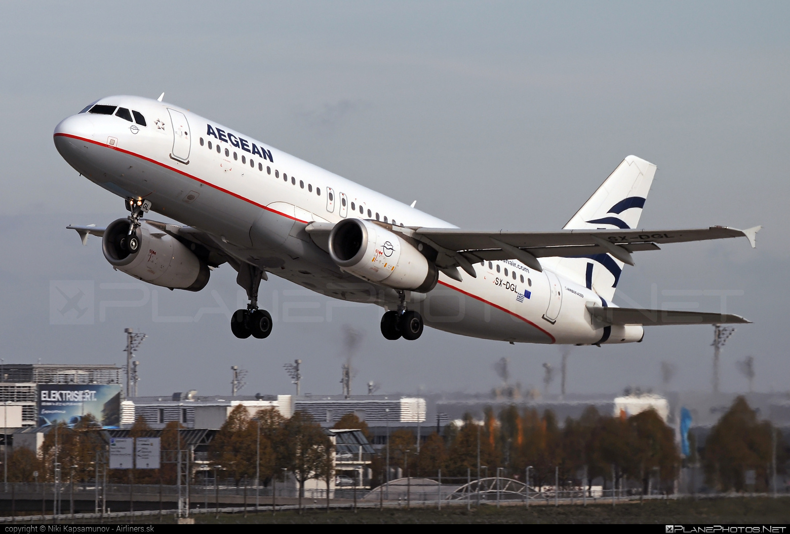 Airbus A320-232 - SX-DGL operated by Aegean Airlines #a320 #a320family #airbus #airbus320
