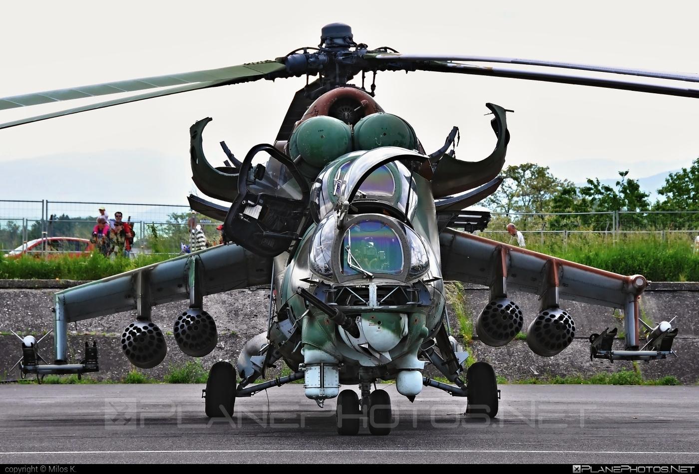 Mil Mi-24D - 0100 operated by Vzdušné sily OS SR (Slovak Air Force) #mi24 #mi24d #mil #mil24 #mil24d #milhelicopters #slovakairforce #vzdusnesilyossr