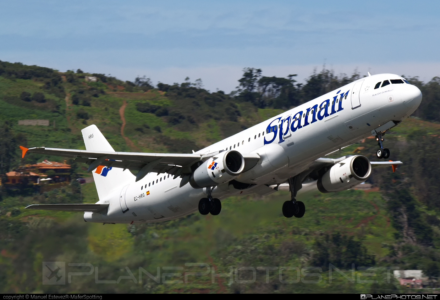 Airbus A321-231 - EC-HRG operated by Spanair #a320family #a321 #airbus #airbus321
