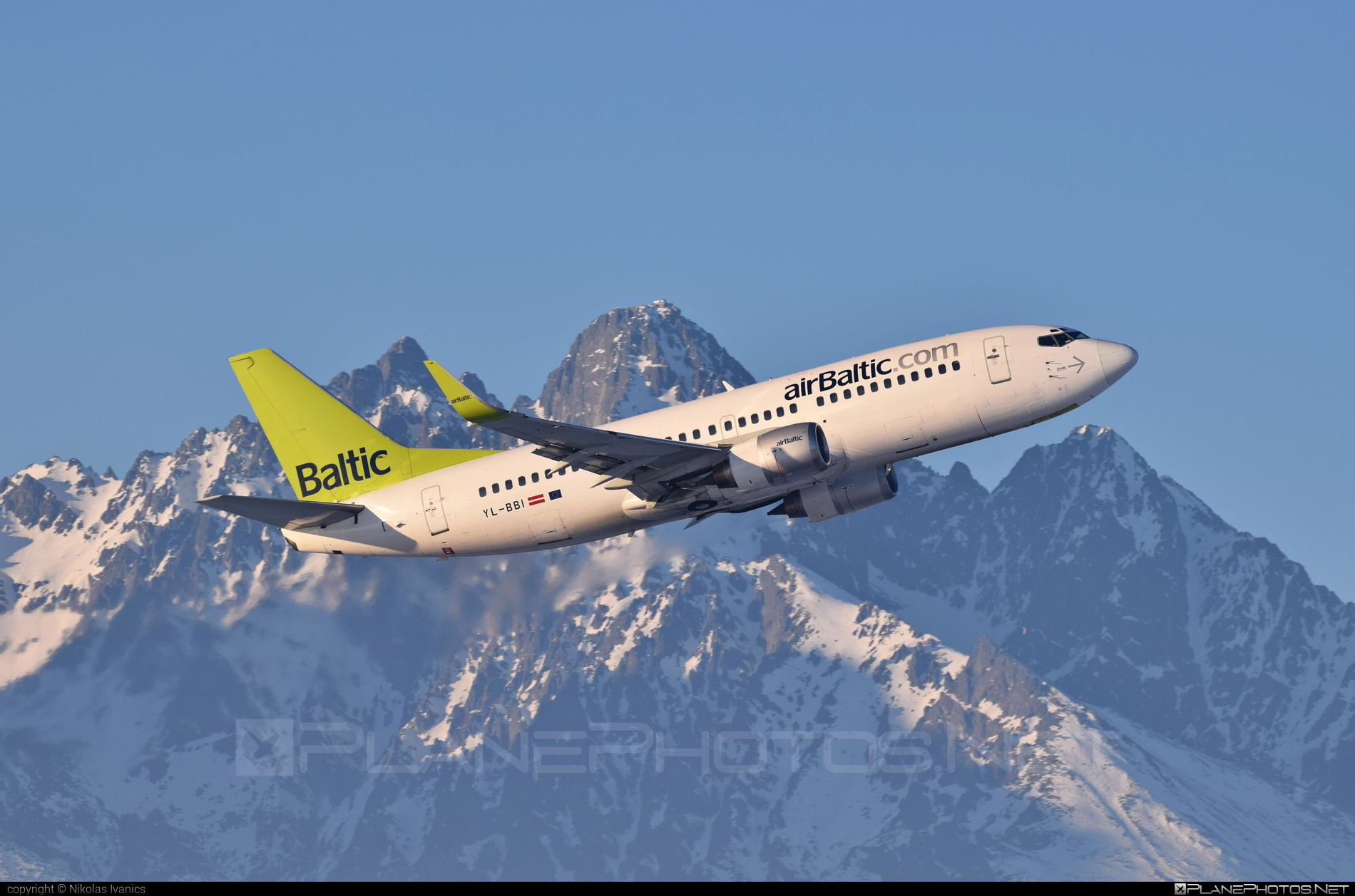 Boeing 737-300 - YL-BBI operated by Air Baltic #airbaltic #b737 #boeing #boeing737