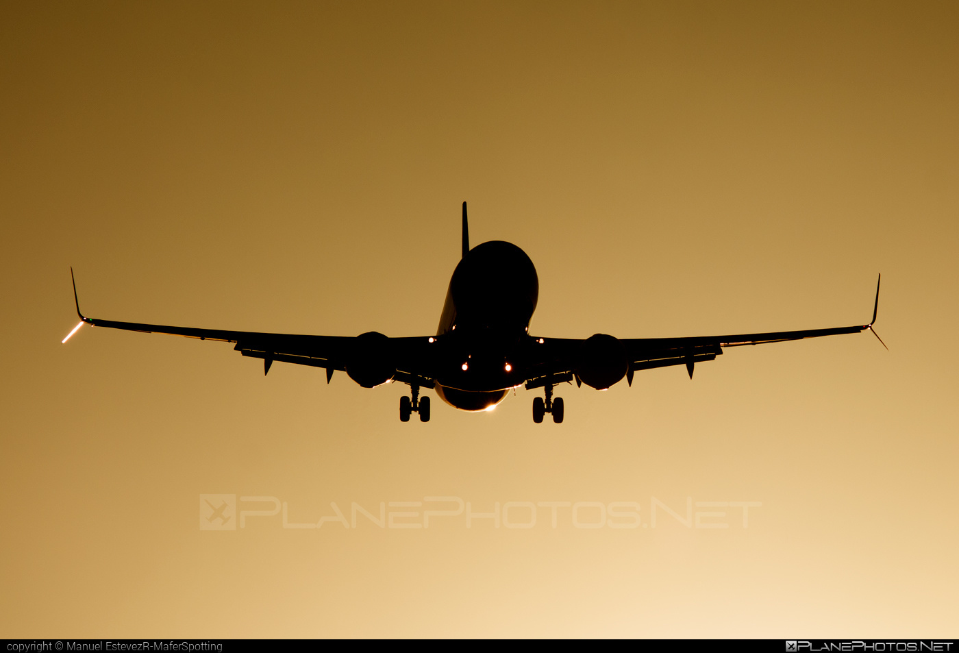 Boeing 737-800 - G-TAWN operated by Thomson Airways #b737 #b737nextgen #b737ng #boeing #boeing737