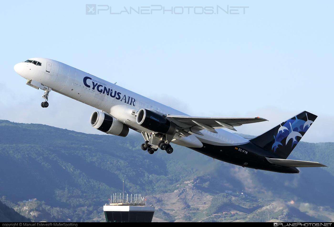 Boeing 757-200 - EC-FTR operated by Cygnus Air #b757 #boeing #boeing757