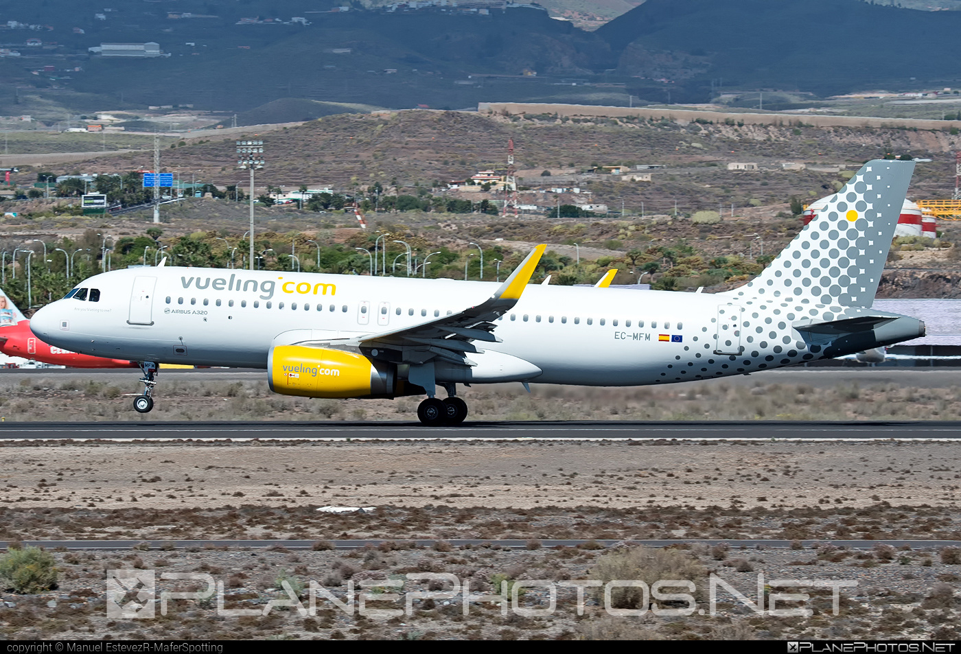 Airbus A320-232 - EC-MFM operated by Vueling Airlines #a320 #a320family #airbus #airbus320 #vueling #vuelingairlines