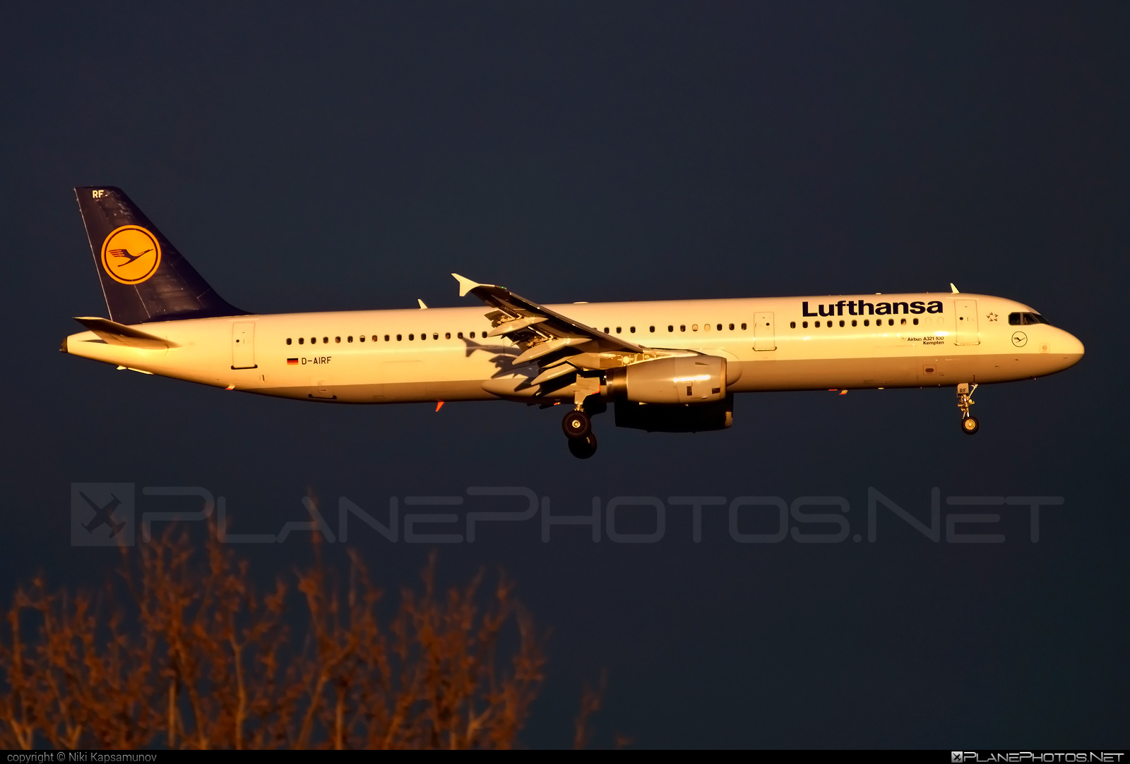 Airbus A321-131 - D-AIRF operated by Lufthansa #a320family #a321 #airbus #airbus321 #lufthansa