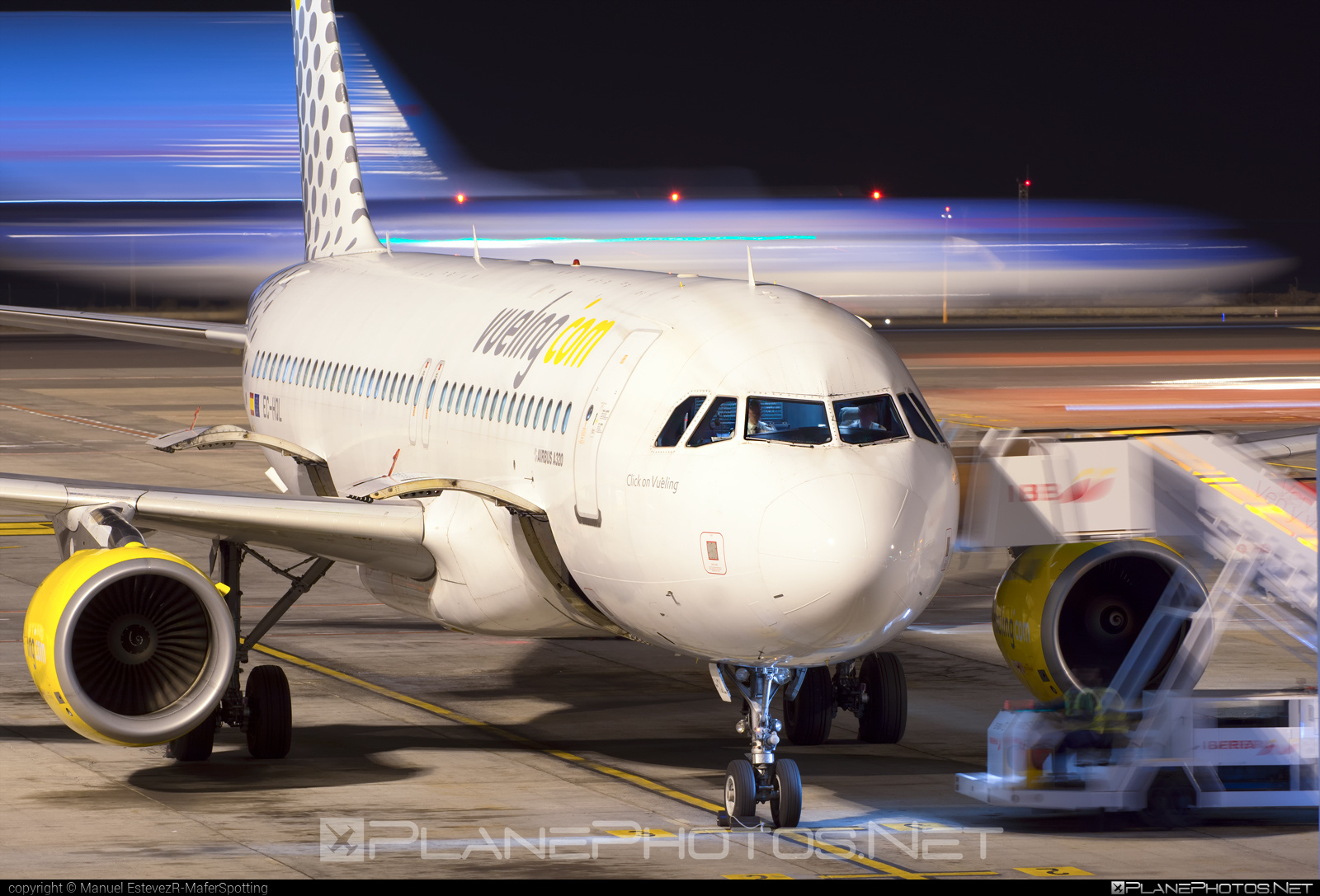 Airbus A320-214 - EC-HQL operated by Vueling Airlines #a320 #a320family #airbus #airbus320 #vueling #vuelingairlines