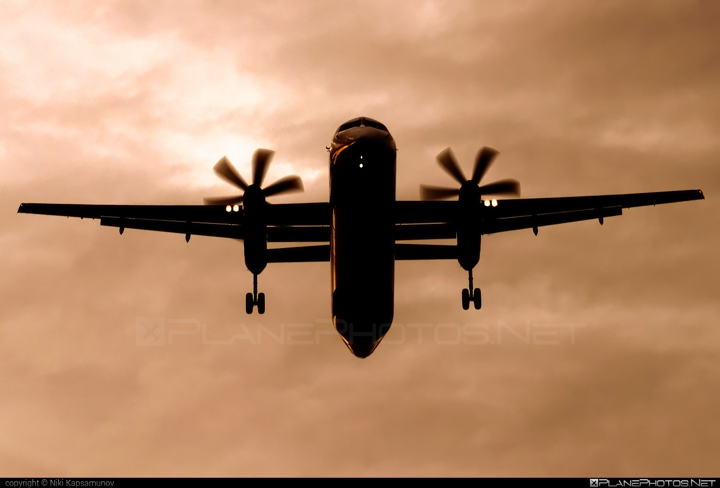 Bombardier DHC-8-Q402 Dash 8 - OE-LGR operated by Austrian Airlines #bombardier