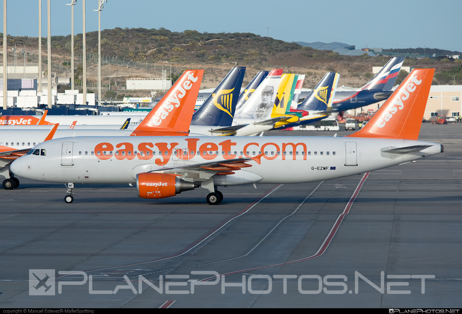 Airbus A320-214 - G-EZWF operated by easyJet #a320 #a320family #airbus #airbus320 #easyjet