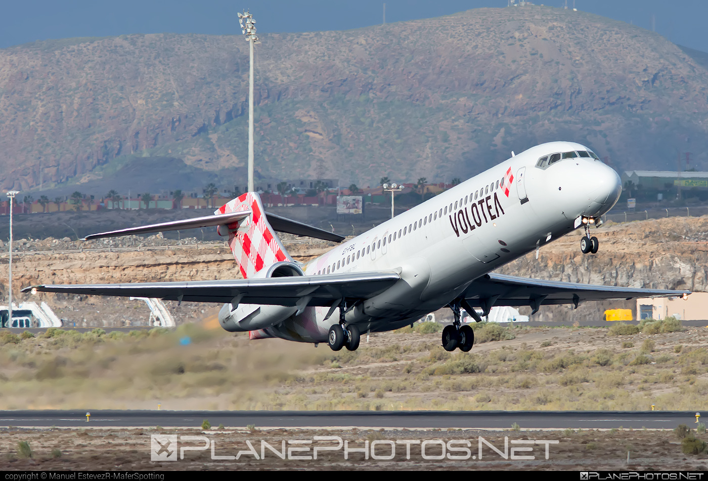 Boeing 717-200 - EI-FBL operated by Volotea #b717 #boeing #boeing717
