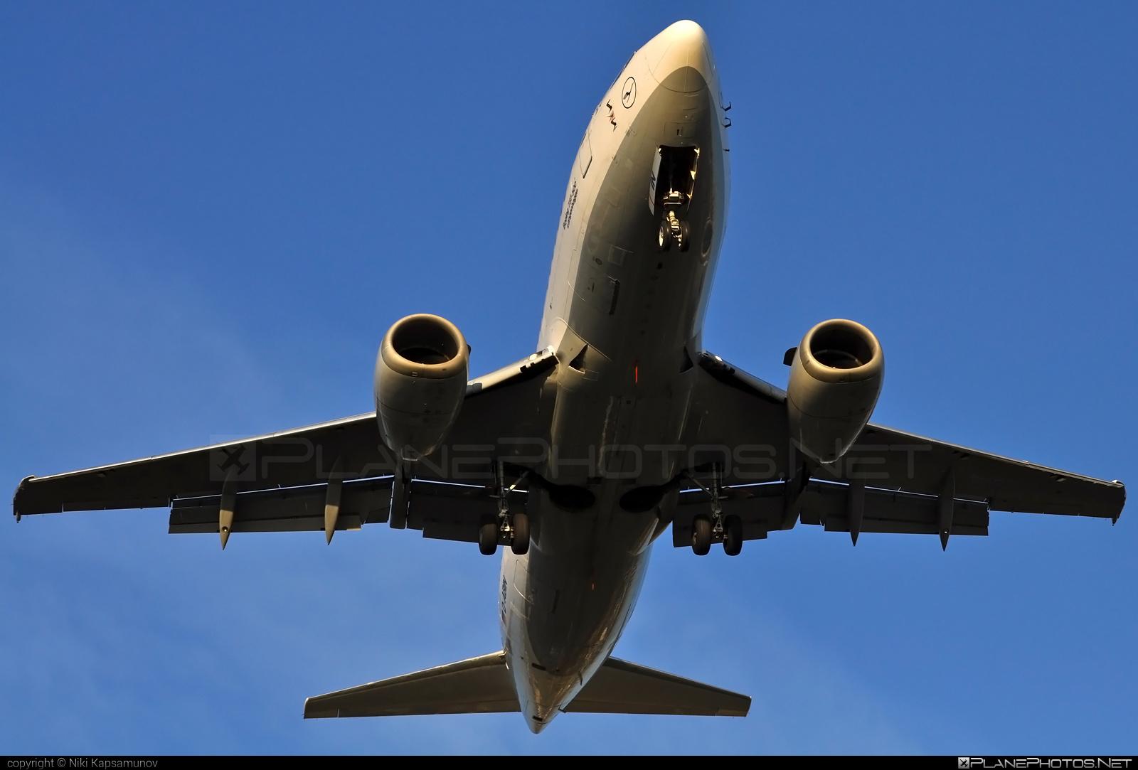Boeing 737-500 - D-ABIN operated by Lufthansa #b737 #boeing #boeing737 #lufthansa