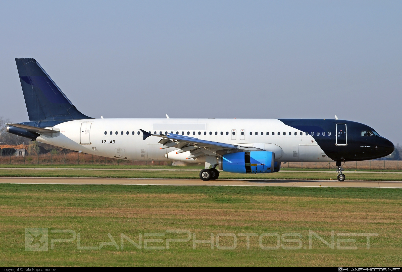 Airbus A320-231 - LZ-LAB operated by Bulgarian Air Charter #a320 #a320family #airbus #airbus320 #bulgarianaircharter