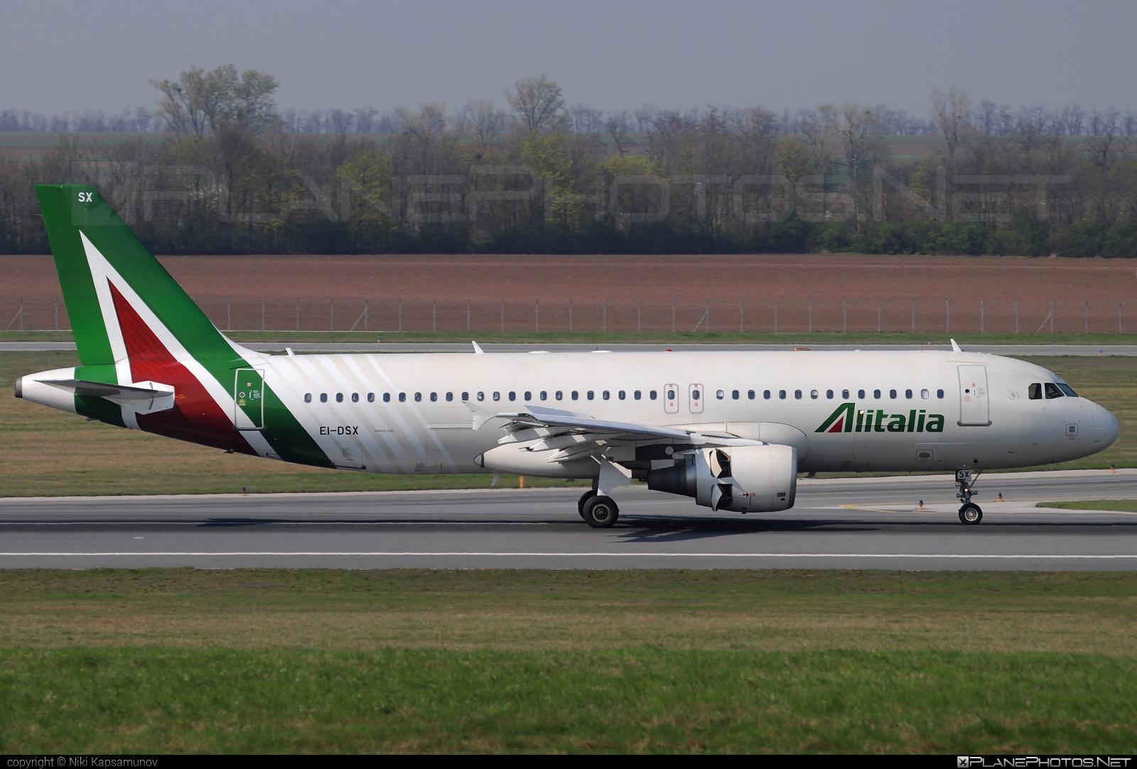 Airbus A320-216 - EI-DSX operated by Alitalia #a320 #a320family #airbus #airbus320 #alitalia