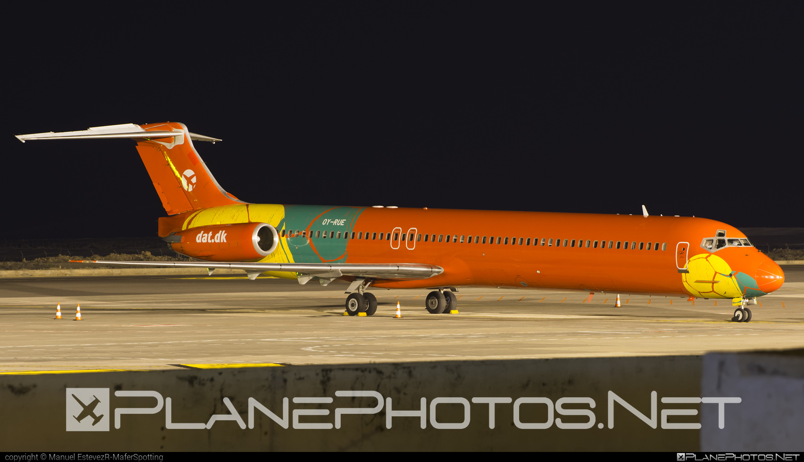 McDonnell Douglas MD-83 - OY-RUE operated by Danish Air Transport (DAT) #mcdonnelldouglas #mcdonnelldouglas80 #mcdonnelldouglas83 #mcdonnelldouglasmd80 #mcdonnelldouglasmd83 #md80 #md83