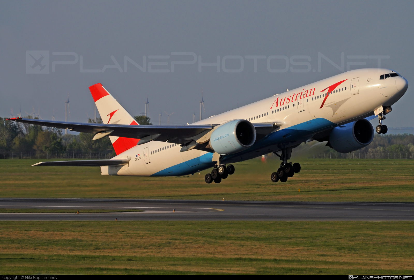 Boeing 777-200ER - OE-LPA operated by Austrian Airlines #b777 #b777er #boeing #boeing777 #tripleseven