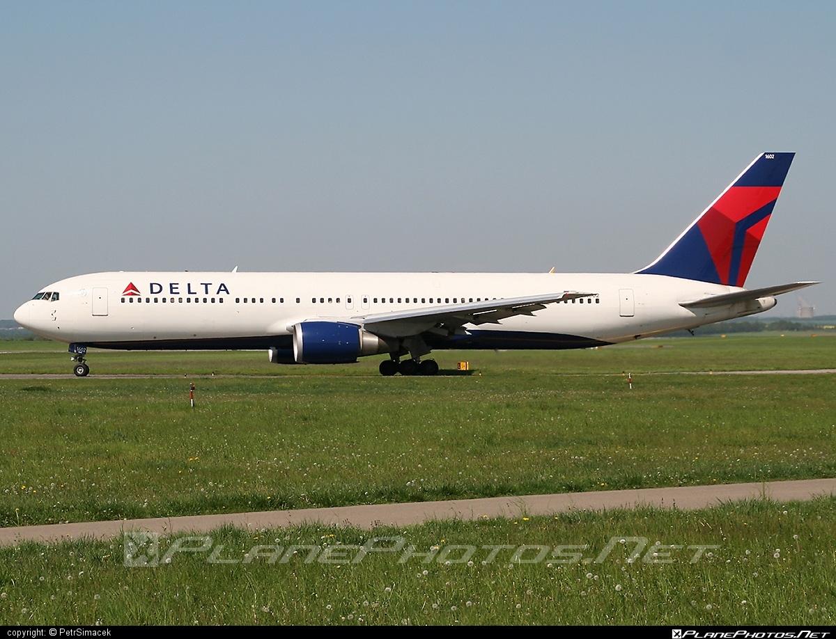 Boeing 767-300ER - N1602 operated by Delta Air Lines #b767 #b767er #boeing #boeing767 #deltaairlines