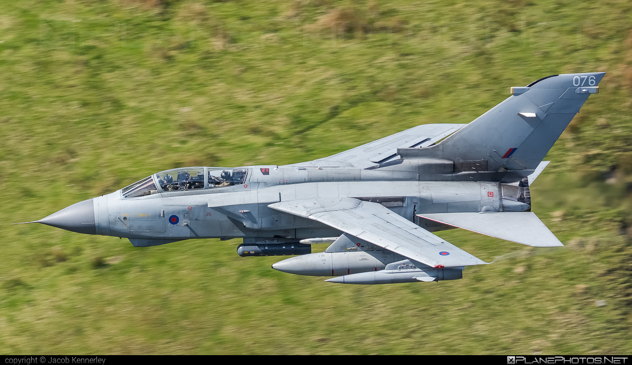 Panavia Tornado GR.4 - ZA614 operated by Royal Air Force (RAF) #machloop #panavia #panaviatornado #raf #royalairforce #tornadogr4
