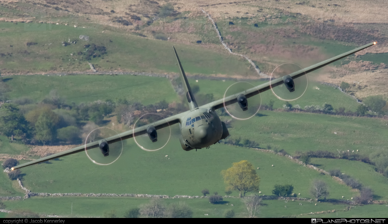 Lockheed Martin Hercules C.5 - ZH888 operated by Royal Air Force (RAF) #LockheedMartin #machloop #raf #royalairforce