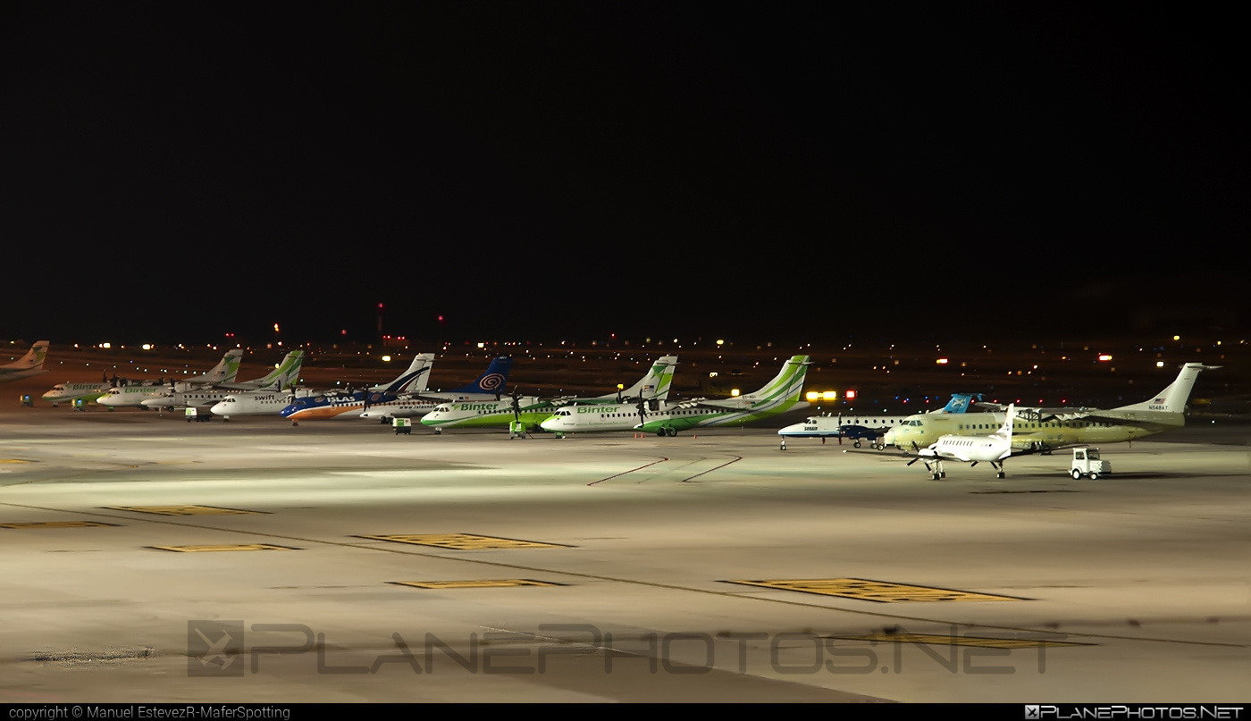 Gran Canaria Int`l airport overview