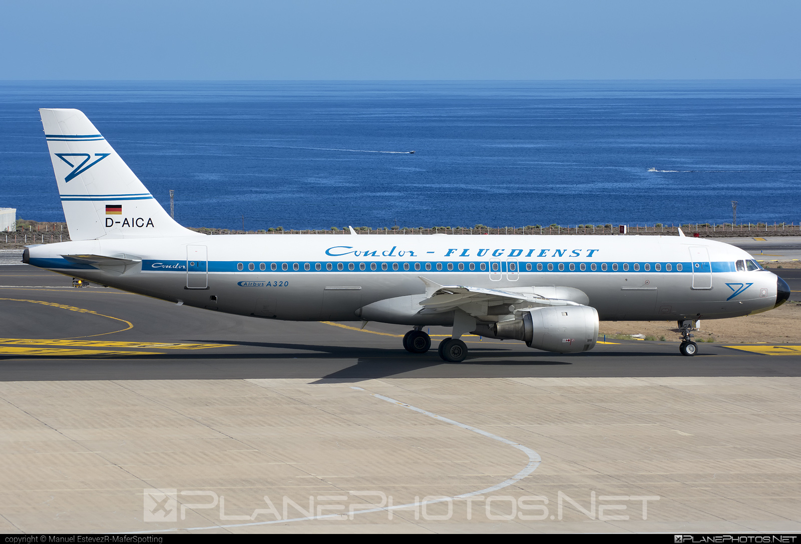 Airbus A320-212 - D-AICA operated by Condor #a320 #a320family #airbus #airbus320 #retro