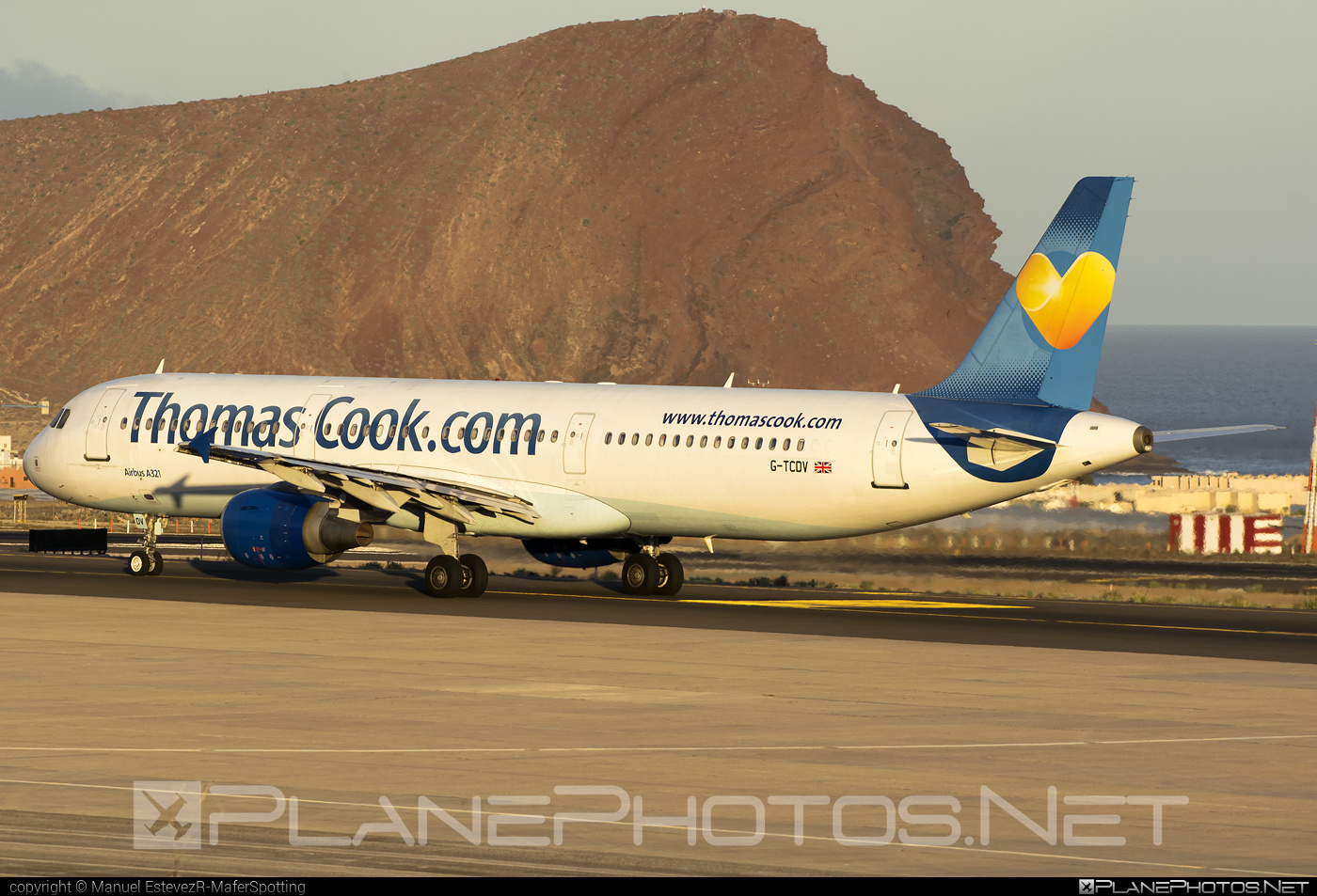 Airbus A321-211 - G-TCDV operated by Thomas Cook Airlines #a320family #a321 #airbus #airbus321