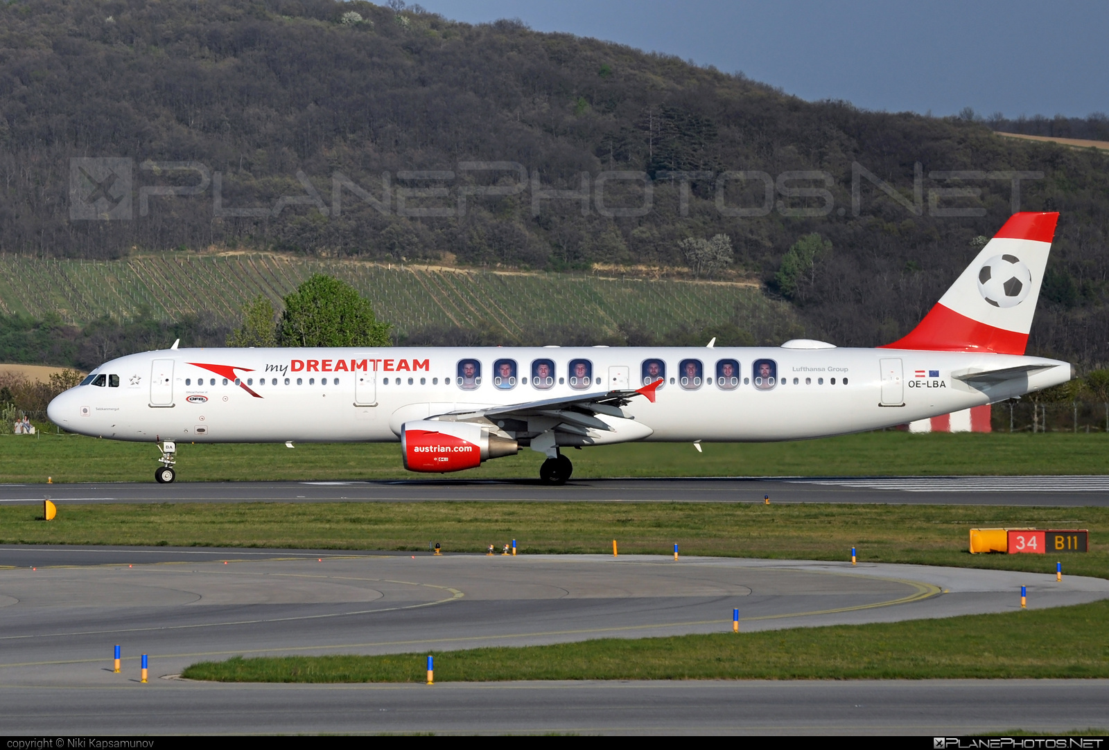 Airbus A321-111 - OE-LBA operated by Austrian Airlines #a320family #a321 #airbus #airbus321