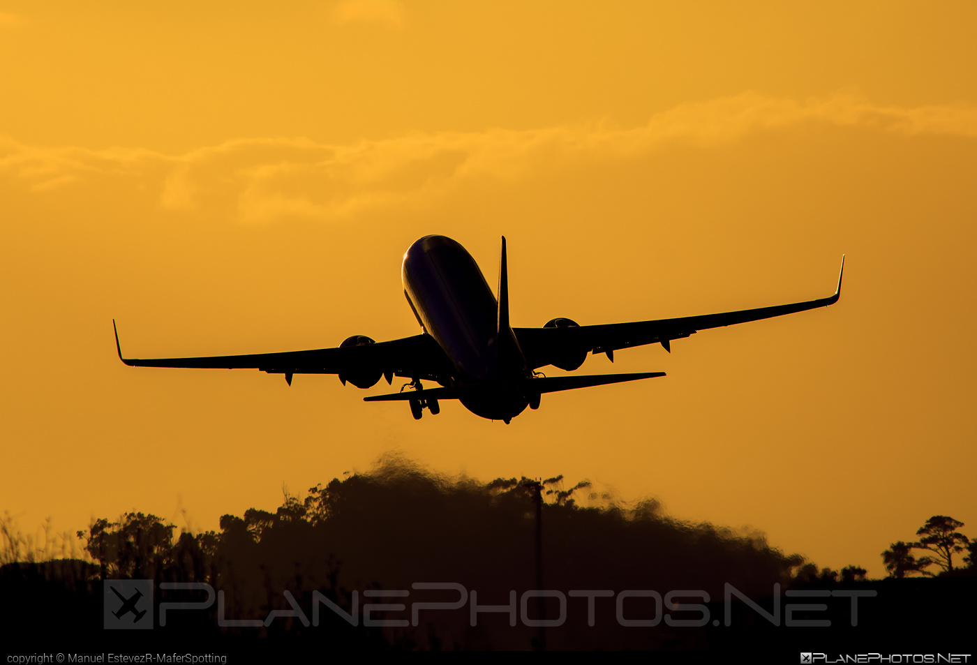 Boeing 737-800 - EC-LYR operated by Air Europa #b737 #b737nextgen #b737ng #boeing #boeing737