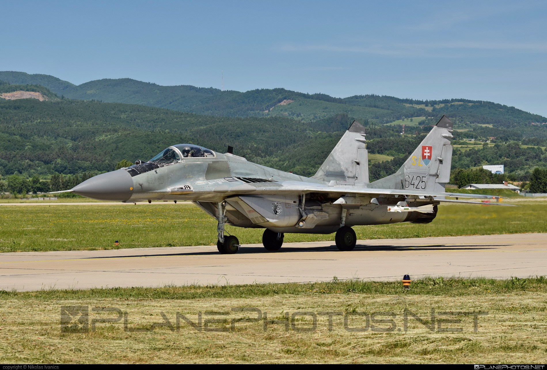 Mikoyan-Gurevich MiG-29AS - 6425 operated by Vzdušné sily OS SR (Slovak Air Force) #mig #mig29 #mig29as #mikoyangurevich #slovakairforce #vzdusnesilyossr