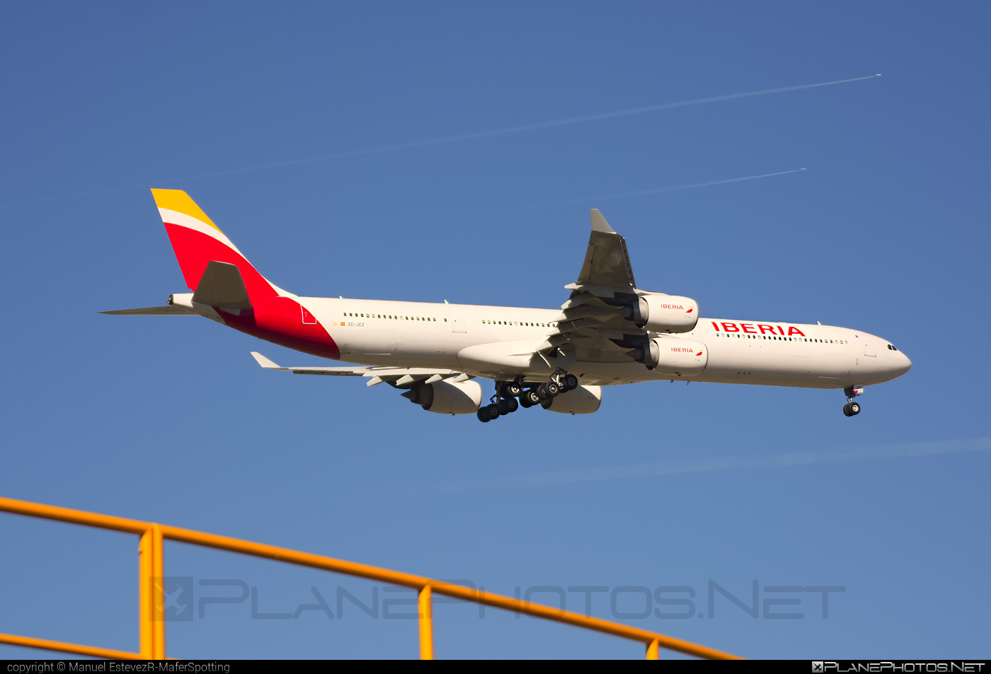 Airbus A340-642 - EC-JCZ operated by Iberia #a340 #a340family #airbus #airbus340 #iberia