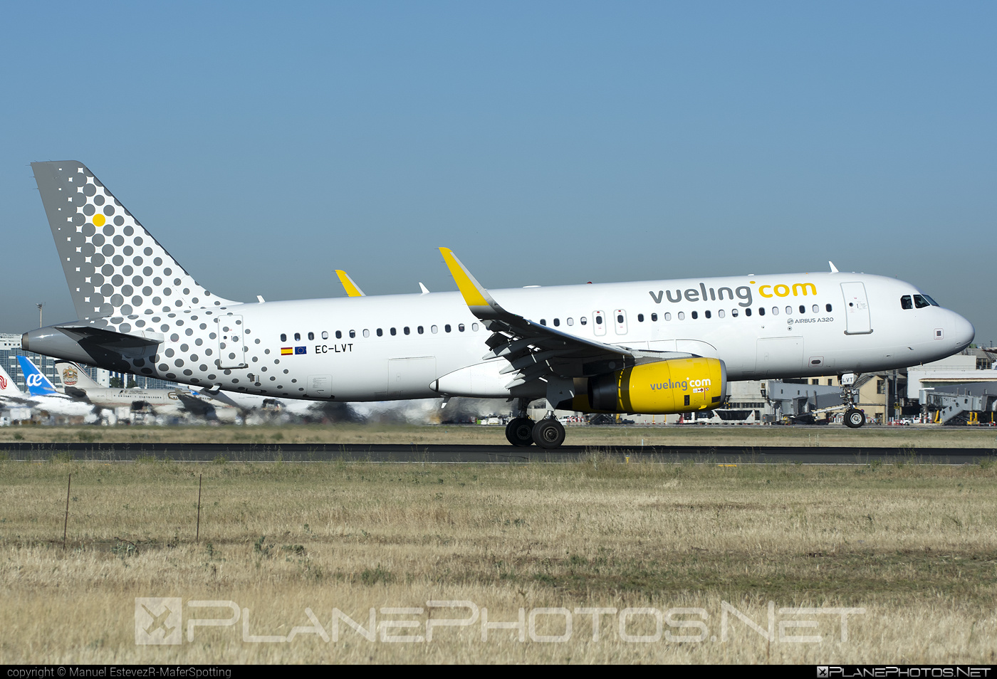 Airbus A320-232 - EC-LVT operated by Vueling Airlines #a320 #a320family #airbus #airbus320 #vueling #vuelingairlines