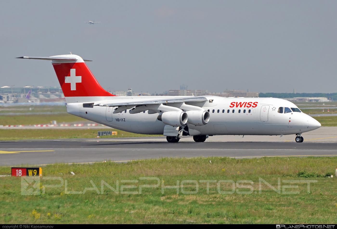 Swiss Global Air Lines British Aerospace Avro RJ100 - HB-IYZ #avrorj100 #bae146 #britishaerospace