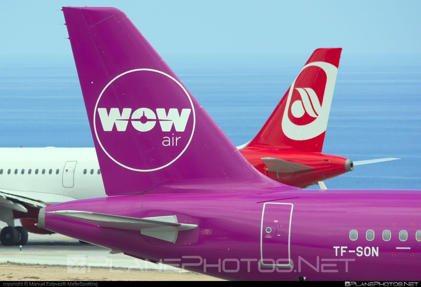 Airbus A321-211 - TF-SON operated by WOW air #a320family #a321 #airbus #airbus321