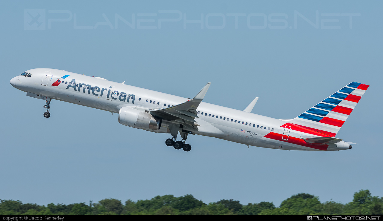 Boeing 757-200 - N199AN operated by American Airlines #americanairlines #b757 #boeing #boeing757