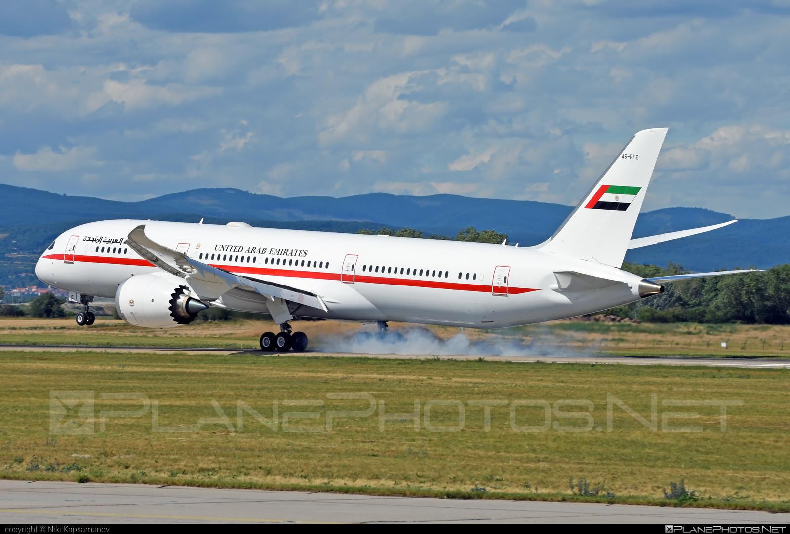 Boeing 787-9 Dreamliner - A6-PFE operated by United Arab Emirates - Abu Dhabi Amiri Flight #abudhabiamiriflight #b787 #boeing #boeing787 #dreamliner